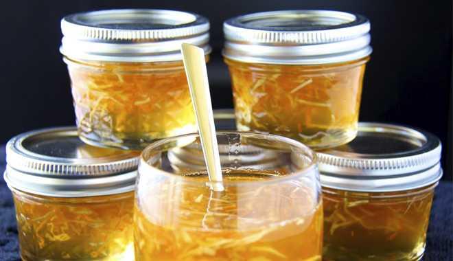 Mật ong bạc hà ngâm hoa bưởi dùng rất thơm và bổ dưỡng