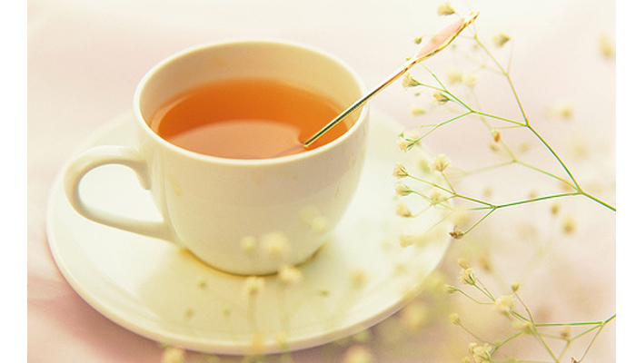 Sử dụng 1 cốc nước ấm mật ong vào mỗi sáng rất tốt cho dạ dày của bạn