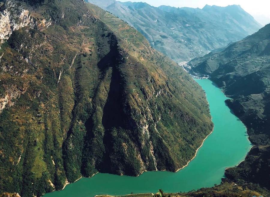 Sông Nho Quế là hệ thống sông chính của cao nguyên đá Đồng Văn.